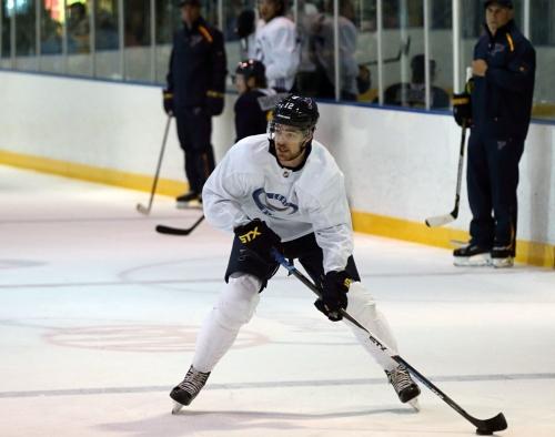 Blues promote Sanford, send Thorburn to AHL