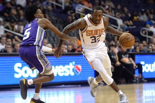 Report: Suns waive Davon Reed to free up room for Jamal Crawford