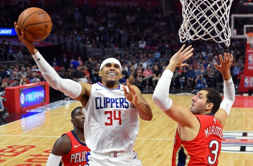 As season begins, Clippers relying on defense, chemistry to chase a playoff berth