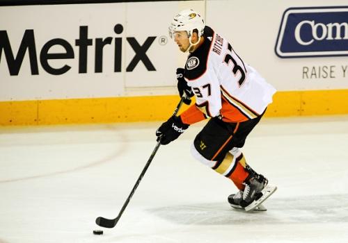 Anaheim Ducks Re-Sign Forward Nick Ritchie
