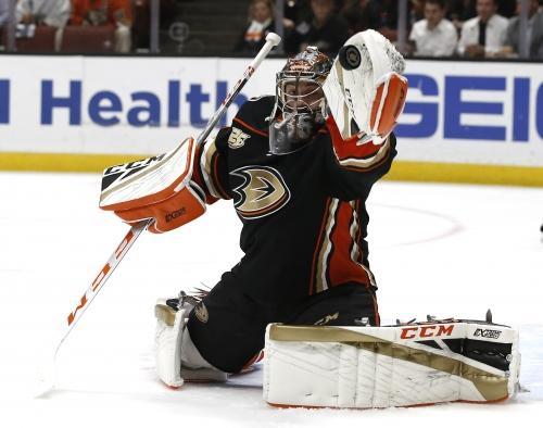 Ducks get healthier, sign Nick Ritchie to new contract, defeat Islanders