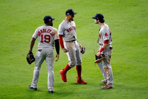 Red Sox take 3-1 lead in ALCS thanks to Andrew Benintendi's game-saving grab vs. Astros