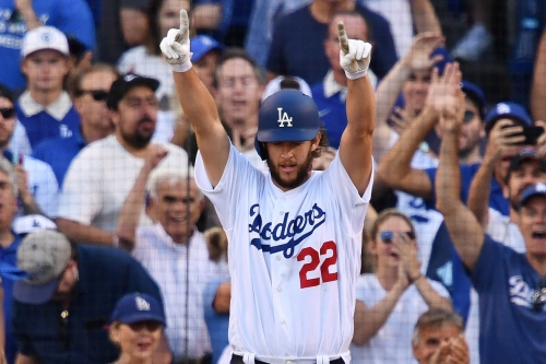 MLB Roundup 10/18: Clayton Kershaw leads Dodgers to 3-2 series lead