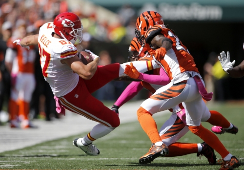 Cincinnati Bengals struggled defending Steelers tight ends. Travis Kelce is next