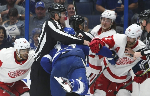 Lightning journal: Rolling four lines is key to early-season wins