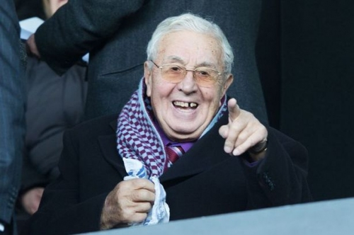 The touching tribute Aston Villa fans paid to Doug Ellis before kick-off