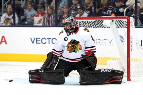 Crawford carries Hawks to 4-1 win over Blue Jackets