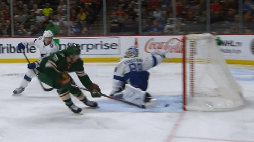 Foligno grabs puck out of mid-air, scores for Wild