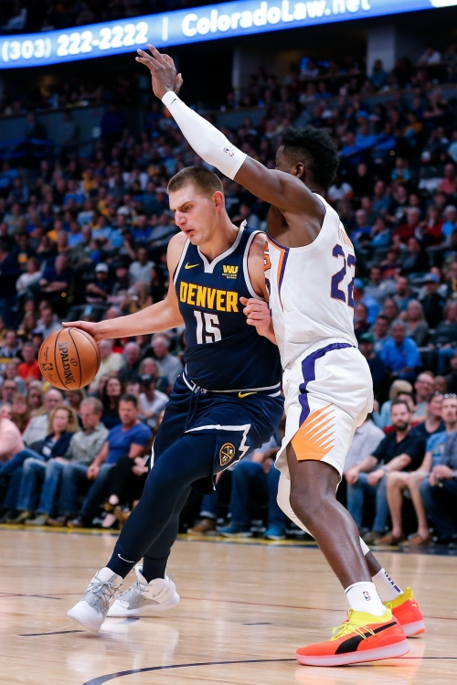 Nikola Jokic dominates as sloppy Suns routed by Nuggets in Denver