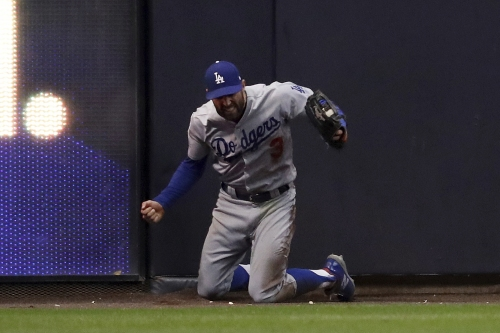 Chris Taylor's leaping catch preserves Dodgers' Game 7 victory