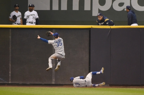 Dodgers News: Cody Bellinger Credits Chris Taylor For Making 'Catch Of The Year' To Rob Christian Yelich In NLCS Game 7