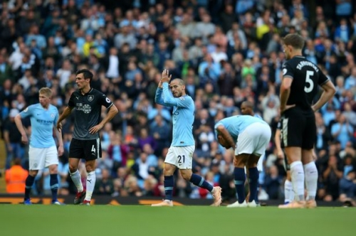 Man City midfielder David Silva chases record held by Manchester United and Arsenal greats
