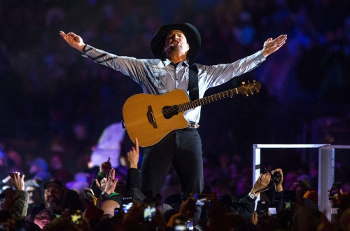 Garth Brooks' concert at Notre Dame success despite weather