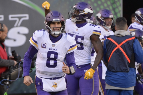 Vikings QB Kirk Cousins keeps fumble streak alive, but this one worked out OK