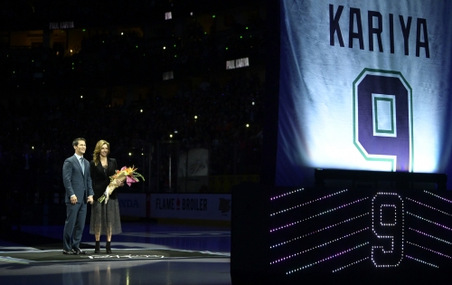 Paul Kariya's No. 9 retired by Anaheim Ducks