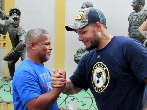 Molina wins Roberto Clemente Award for leading relief efforts in Puerto Rico