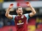Sam Vokes signs new contract at Burnley