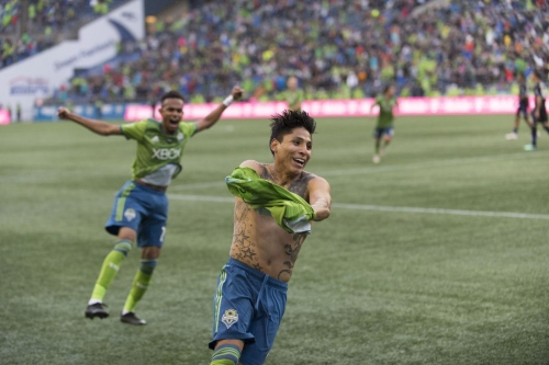 """13 minutes of """"pure craziness"""" as Sounders clinch playoff bye"""