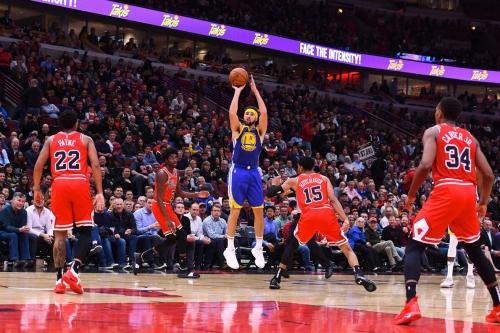 Warriors blitz Bulls 149-124 behind Klay Thompson's record-setting performance
