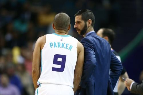 Tony Parker turns back the clock as Hornets topple Heat, 125-113