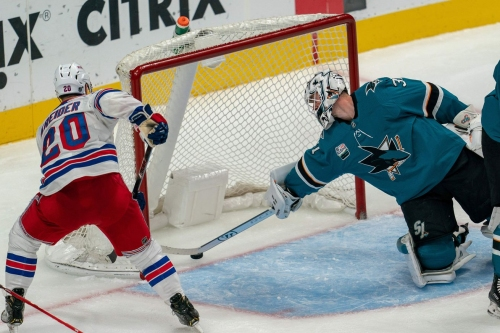 Winning Play: Kreider's sleight of hand tricks Sharks
