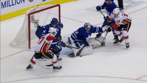 Maple Leafs' Andersen has no issues with goalie equipment