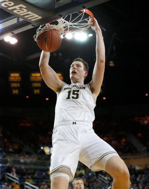 Defense, Zavier Simpson star in Michigan basketball's exhibition win