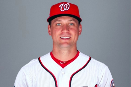 Nationals officially sign Trevor Rosenthal to one-year deal with conditional option...