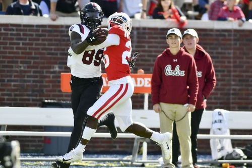 South Carolina snatches 48-44 shootout win against Ole Miss