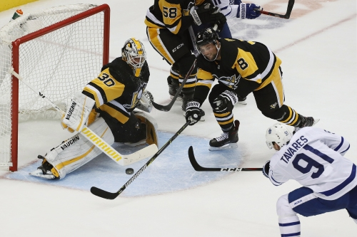 Leafs continue winning ways on road in shutout over Penguins