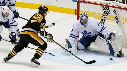 Andersen makes 31 saves, Maple Leafs beat Penguins
