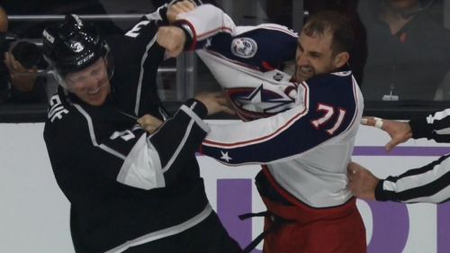 Phaneuf scraps with Foligno during Kings vs. Blue Jackets game