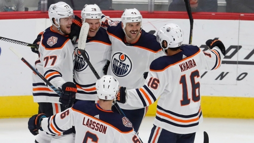 Brodziak scores twice as Oilers down Red Wings