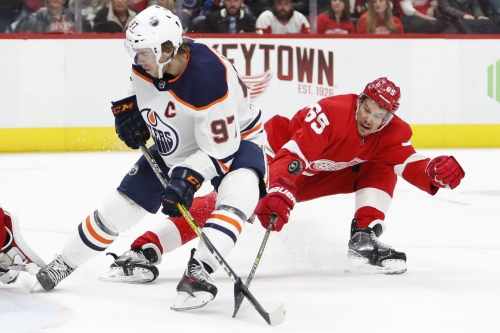 Key Play Breakdown: The Oilers wear down a passive Red Wings defense