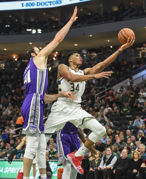 Bucks 144, Kings 109: Giannis Antetokounmpo nets triple double in dominating victory