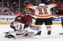 Giroux scores twice, Flyers beat Coyotes 5-2