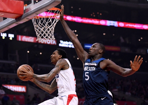Balanced effort helps Clippers fend off Timberwolves