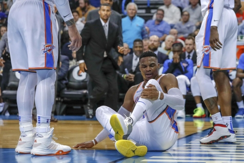 Russell Westbrook sprains ankle, x-rays come back negative