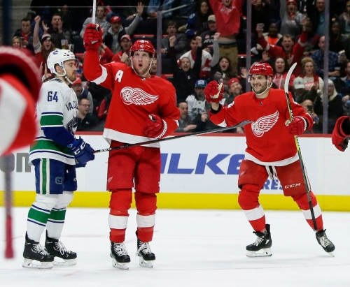 Red Wings end Canucks' 3-game winning streak with SO victory