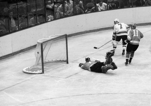 50 years ago: 'We want Red!' Even the Philly fans loved Red Berenson on his record setting night