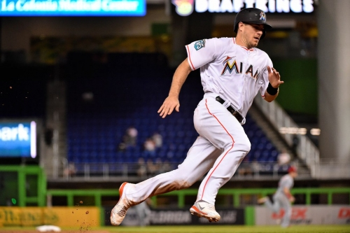 Braves have 'strong offer' on the table for J.T. Realmuto, per report