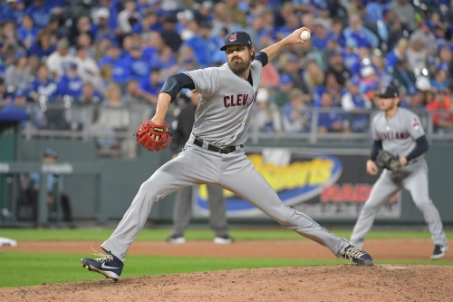 Mets interested in free agent reliever Andrew Miller