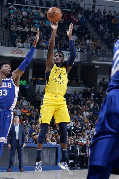 Victor Oladipo keeps the Pacers close after a slow start vs. Sixers