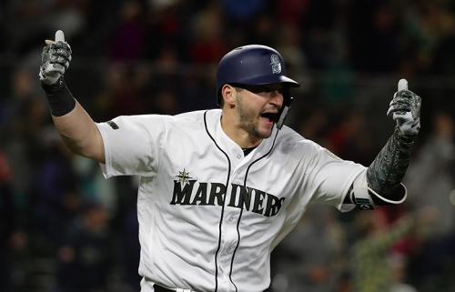Mariners working on a trade that would send catcher Mike Zunino, outfielder Guillermo Heredia to the Rays