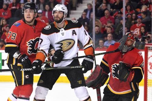 Ducks vs Flames Gamethread: Hiller Night in Anaheim