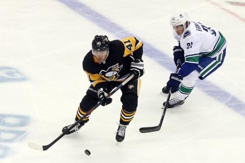 "Penguins trade rumors: Pittsburgh ""gauging interest"" on Daniel Sprong"