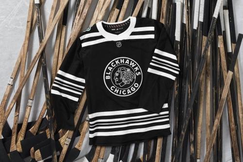 Blackhawks reveal 2019 Winter Classic jerseys