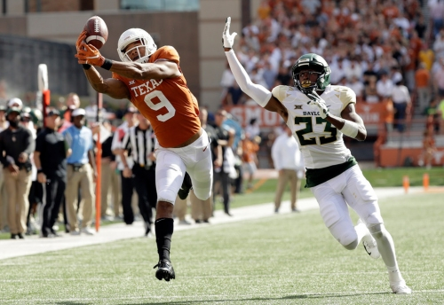 Texas injury update: WRCollin Johnson injures knee but still expected to play vs. Texas Tech, plus updates on 3 defensive starters