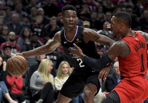 Clippers keep pressure on Blazers before falling in final minutes
