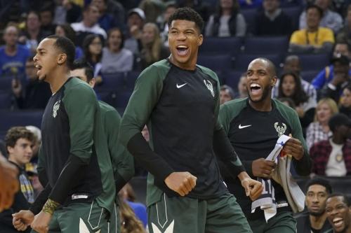 Milwaukee vs. Golden State: Bucks Make Statement Against Warriors
